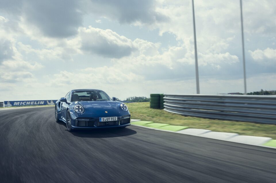 Porsche reveals new 911 Turbo